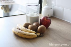 koktajl z bananów i kiwi