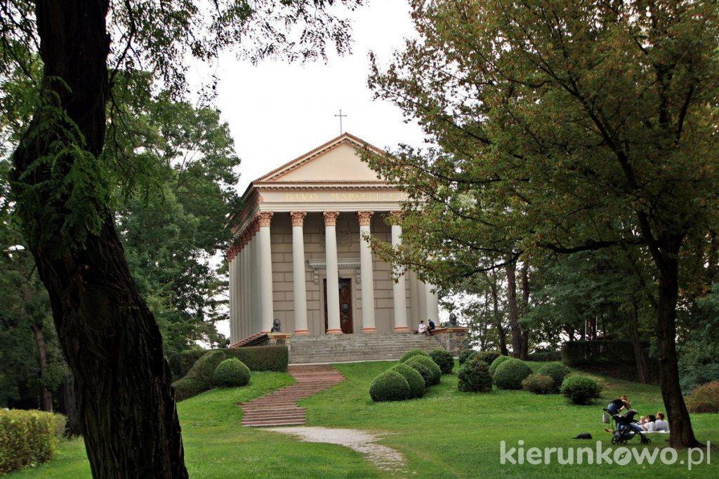 kościół w rogalinie