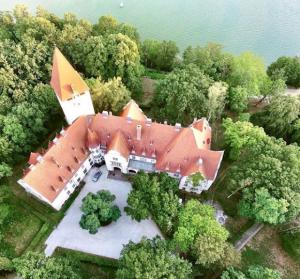 nowy zamek w lubniewicach