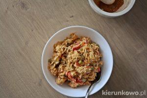 Sałatka kebab-gyros z zupek chińskich