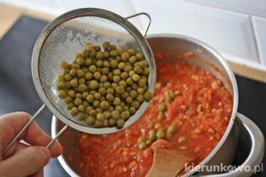 makaron z sosem pomidorowym dla dwulatka