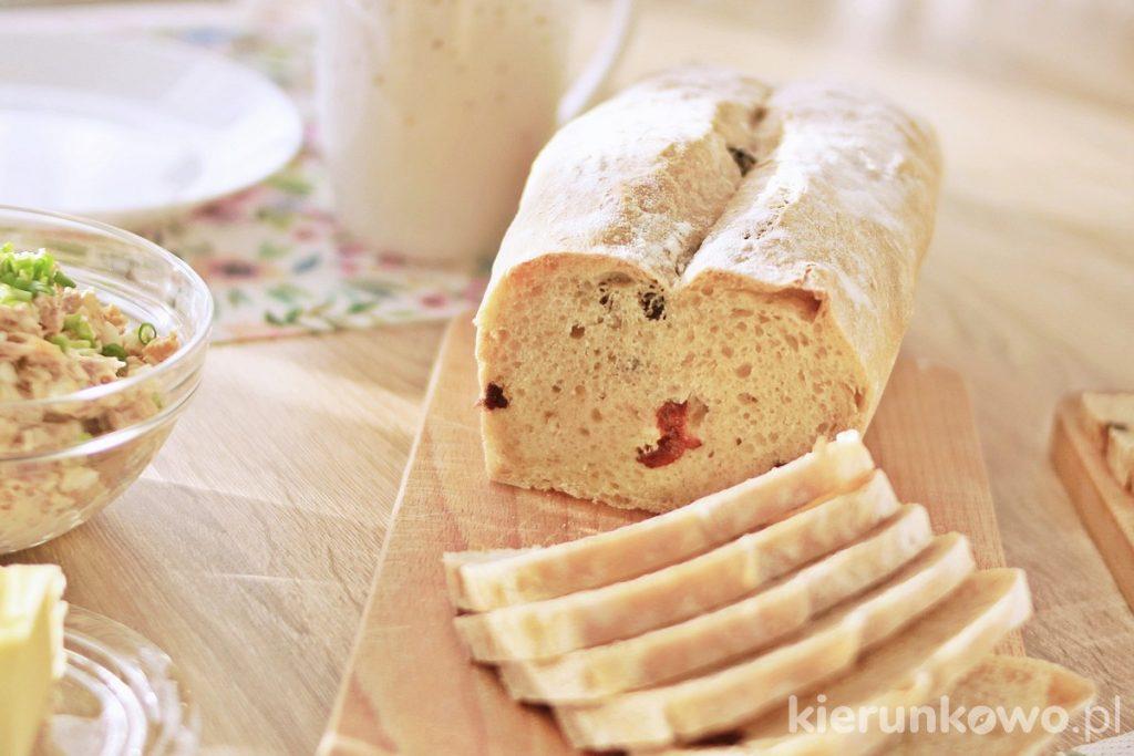 chleb pszenny z żurawiną