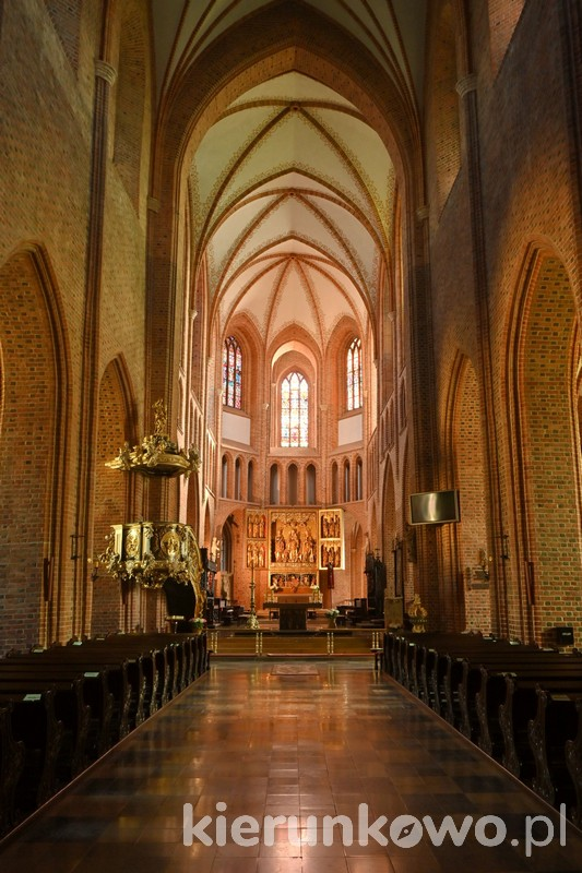 katedra w poznaniu katedra poznań katedra poznańska